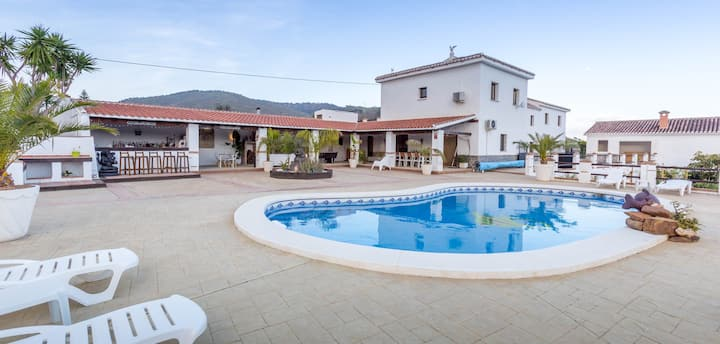 Luxury self-catering retreat with swimming pool