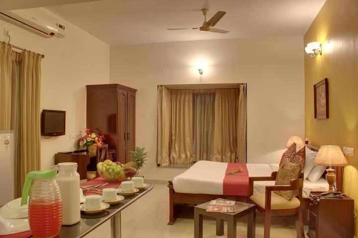 Spacious Superior rooms in Indiranagar