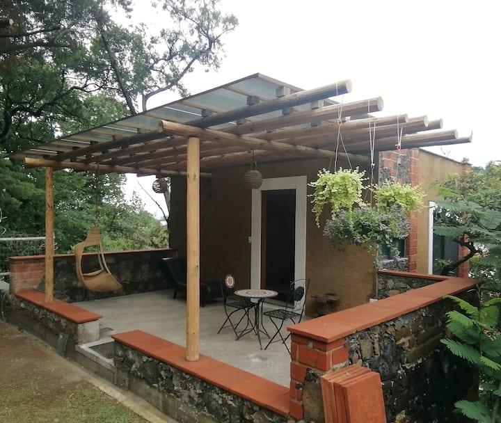 OLLIN. Cabaña-Terraza en Tepoztlán.