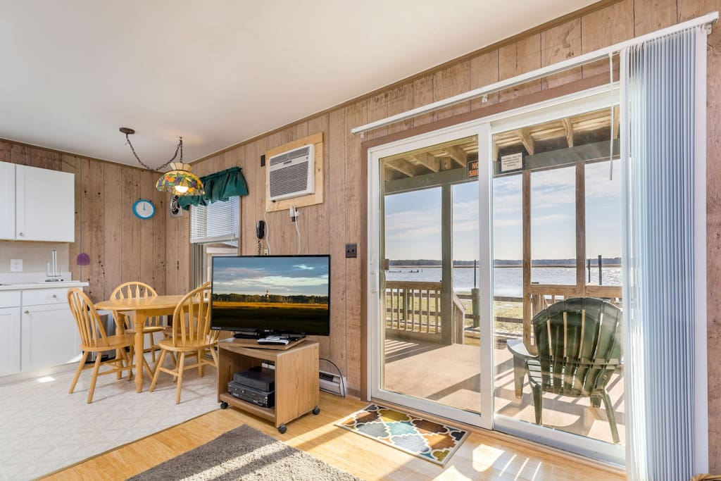This adorable Waterfront Condo sleeps 4 and has unbeatable Views.