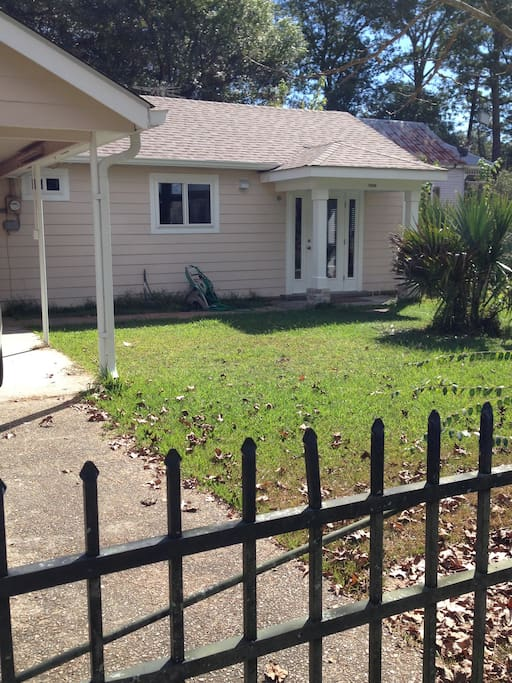 abita springs chat rooms 459 trailhead drive abita springs, la type single family price $ 750,000 back save chat with us now ask agent a  rooms 4 beds + 35 baths .