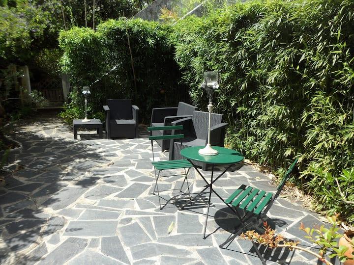 Casa Coimbra Guesthouse - Quarto Mimosa