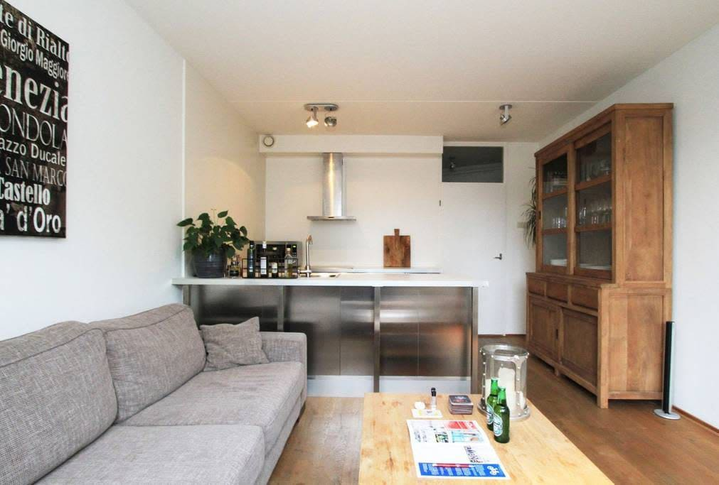 You will feel right at home in this great apartment!