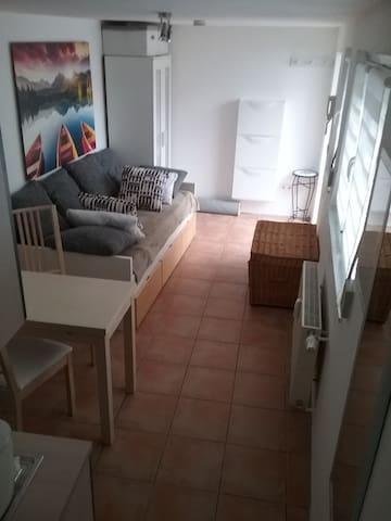 Schnuckeliges Apartement mit Stellplatz - Karben - Apartment
