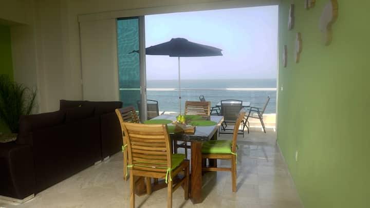 Oceanfront, 1 bedroom, parking, level 4