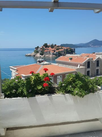 2-Bedroom Apartment with Terrace and Sea View ANDJ - Sveti Stefan - Apartmen