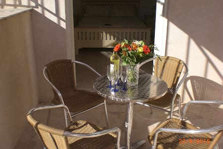 B & B Family Studio 2+2 - Lorgues - Bed & Breakfast
