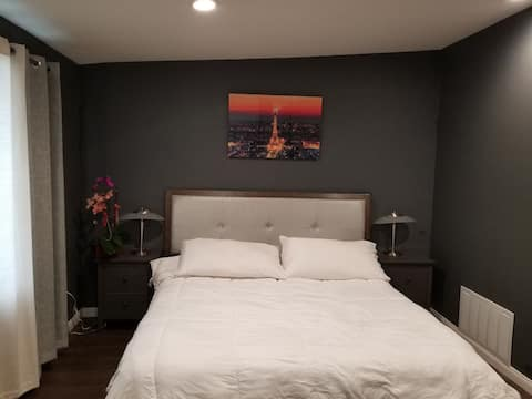 Cozy brand new guest room!!!