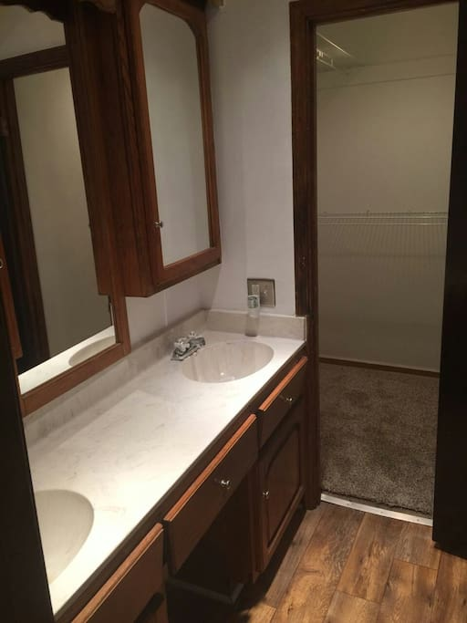 Master BR. sinks & walking closet