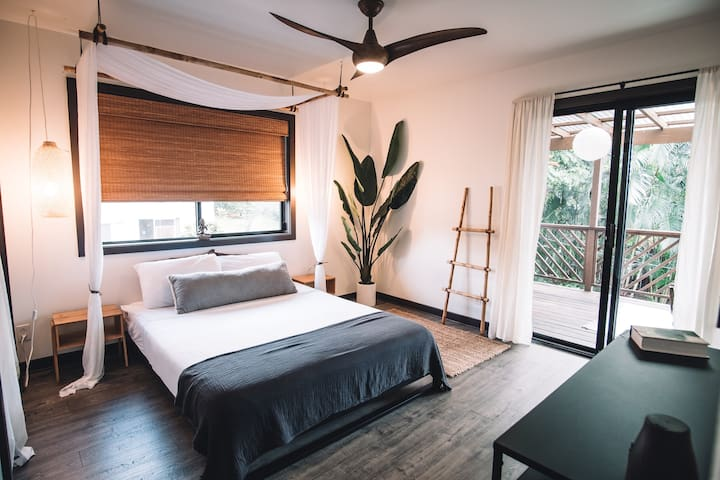 Satori Suite (The Bamboo House)