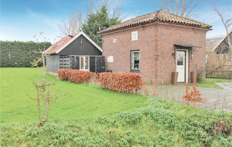 Holiday cottage with 2 bedrooms on 55m² in Winkel