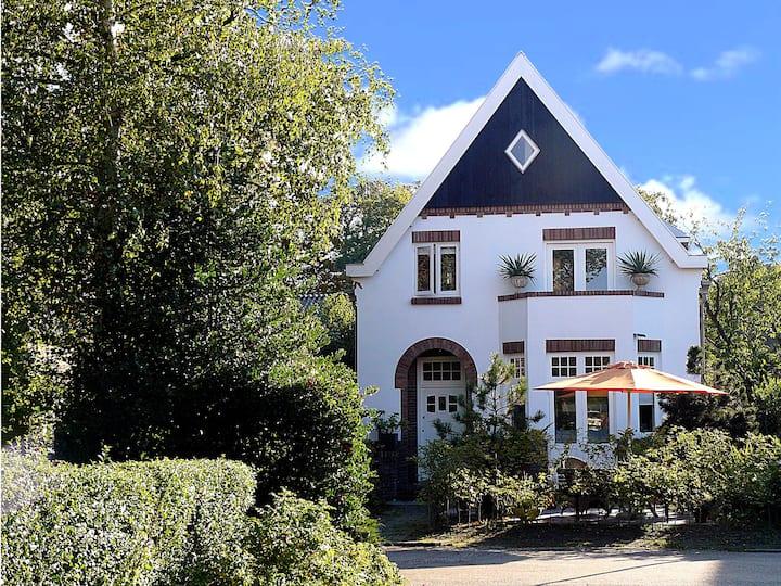 Vrijstaande Villa in Bergen centrum