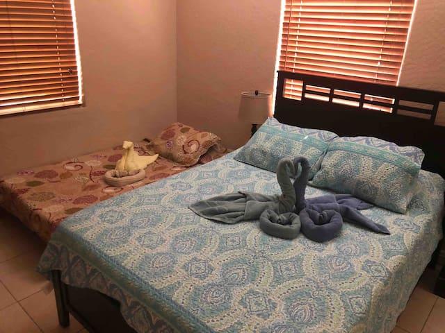 Oasis Room #2
