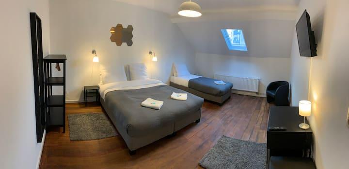 Brussels-Midi  Room Meli