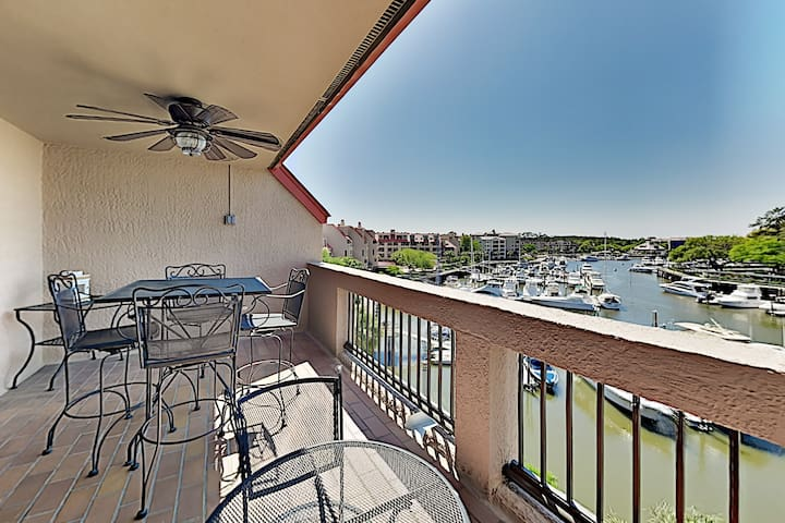 Shelter Cove Marina Penthouse w/Harbor-View & Pool