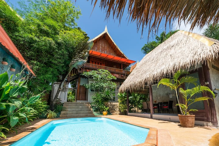 Villa Ayutthaya, private pool near the beach