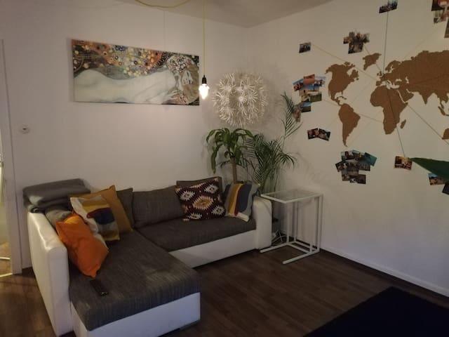 U-bahn-nahe helle Wohnung im Herzen Hamburgs
