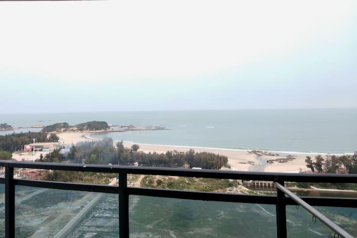东山岛 360度超高层正面无敌海景房~舒适体验滨海生活!住3天动车站接送,步行既到沙滩两房一厅海景房