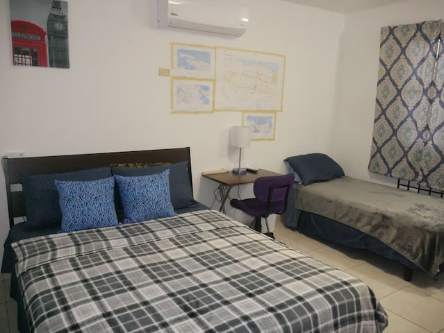 Comfy & Cozy Studio Close to Beach & Restaurants