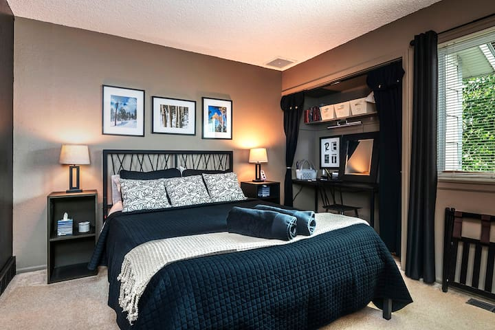 """Main bedroom - queen bed: """"Amazing! Beautiful! Comfortable! A true home away from home... super quality linens!""""  — Anne Marie"""