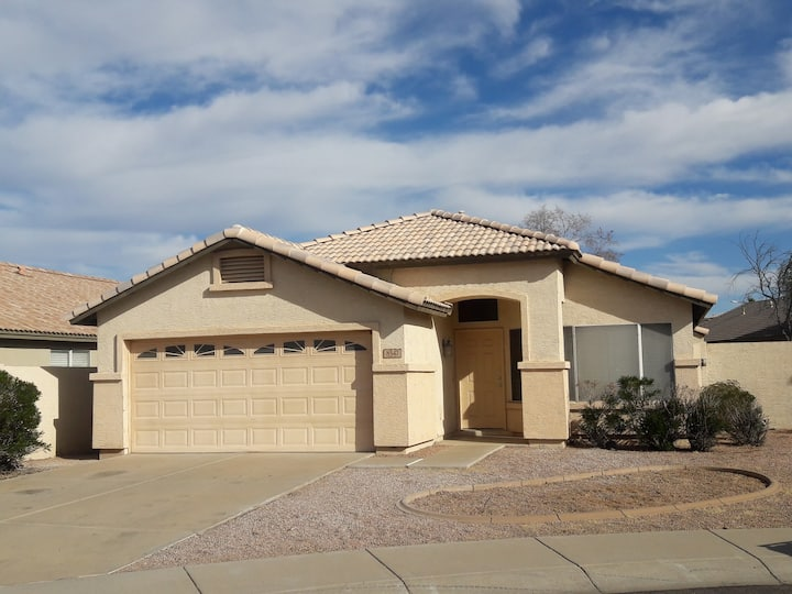 Peoria Spacious  Home with 4BD & 2BA