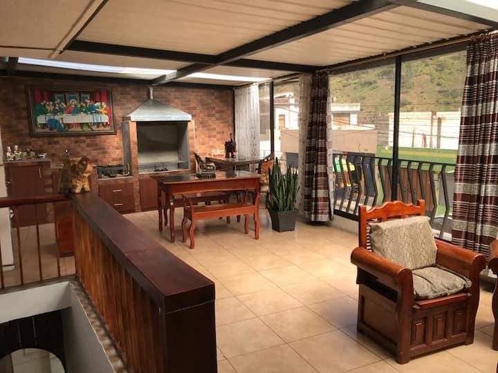 Comoda casa para su estancia en Quito-Ecuador