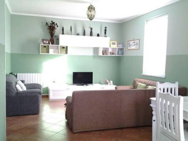 accogliente casa nel borgo - Agosta - Apartament