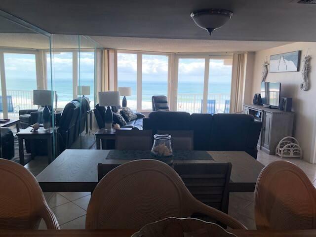 Fabulous direct oceanfront, no-drive beach condo