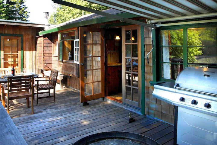 CAB COTTAGE: *Pvt Dock+Kayaks | Hot Tub+River View