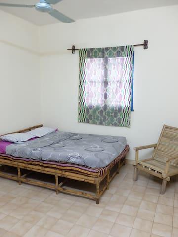 Chambre à louer dans appartement - Bamako