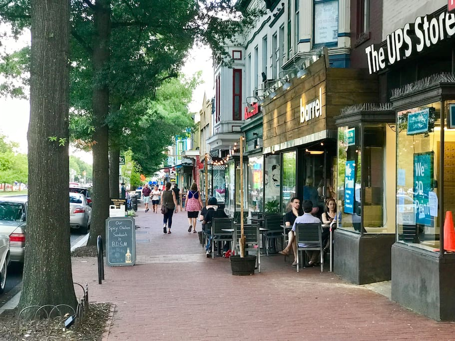 Local Shopping, Bars and Restaurants at your doorstep