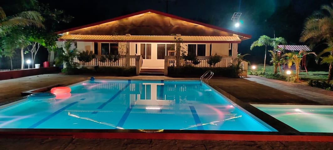 8Bhk Non Ac farm stay with pool