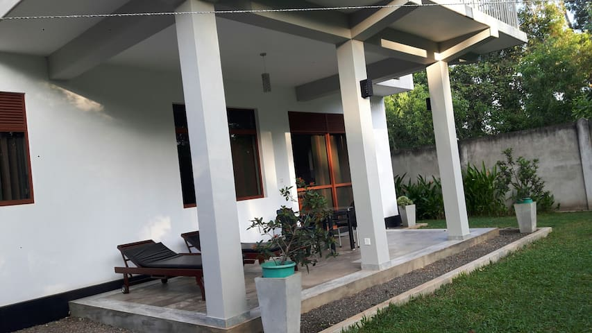 Morden luxurious,well equipped. - Marawila, North Western Province, LK - Apartment