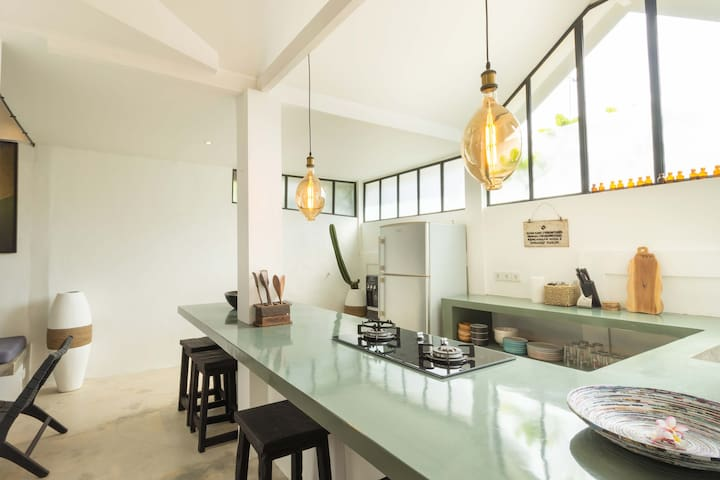 Modern Art Loft Canggu Studio - 5mins to Beach