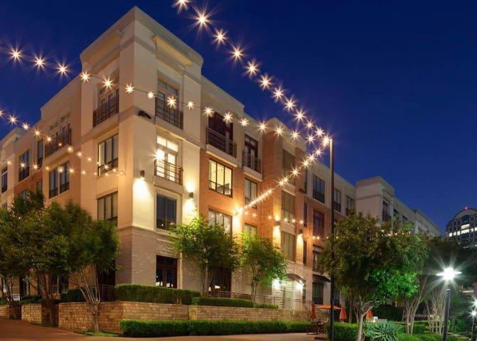 Las Colinas Gorgeous Luxurious Apartment to Enjoy