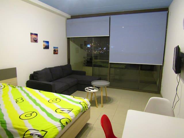 cozy studio A104 in Siwar Center