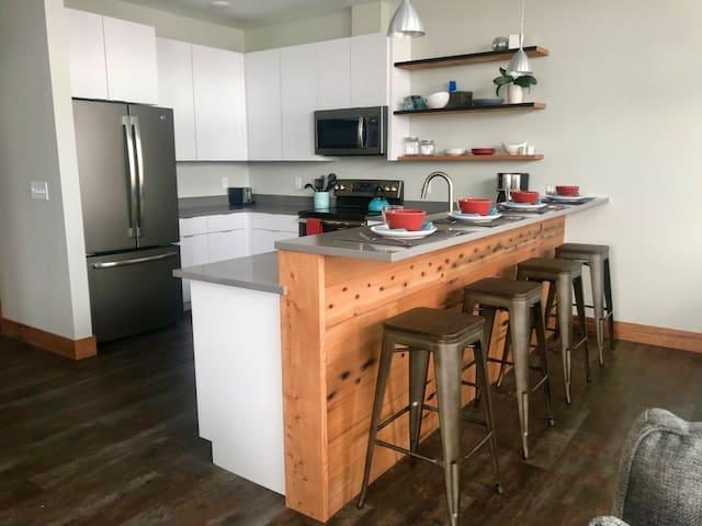 New Apartment, Mid-town Missoula