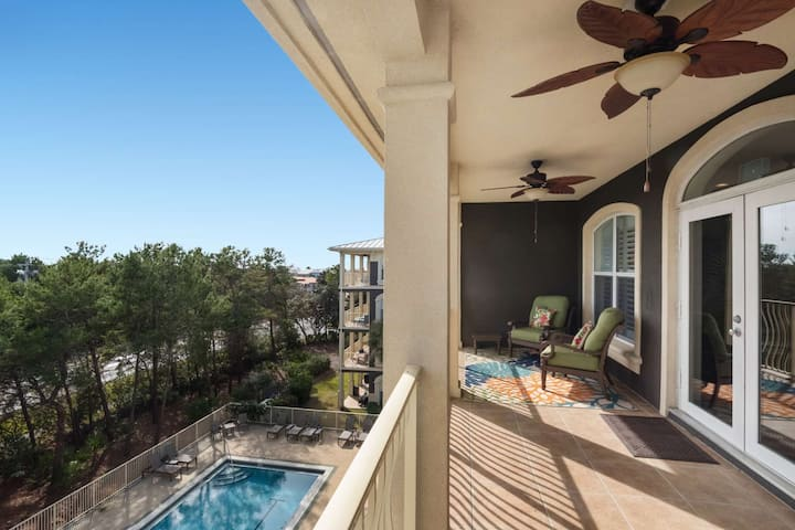 Beautiful Top Floor 30A Condo - Short Walk to Private Beach Access - Community Pool