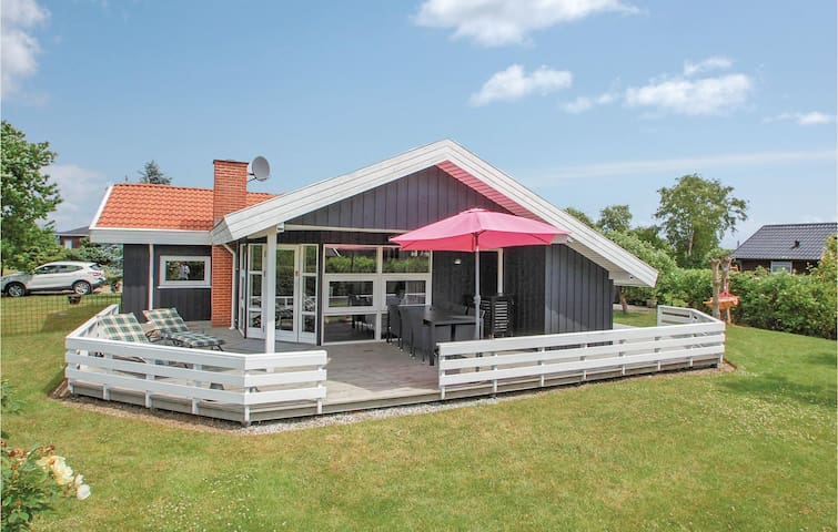 Holiday cottage with 3 bedrooms on 85m² in Børkop