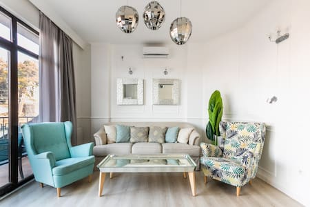 Newly built three-room apartment in Old Town