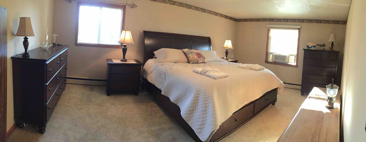Beautiful Master Bedroom on Colchester Farm.
