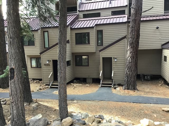"New Updated Carnelian Bay Townhome in ""The Woods"""