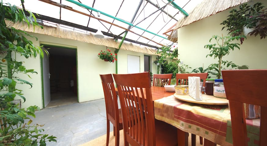 Rastlinky Greenhouse Guestroom 2