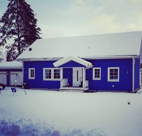 Familjevänlig Villa, 40 minuter ifrån Stockholm