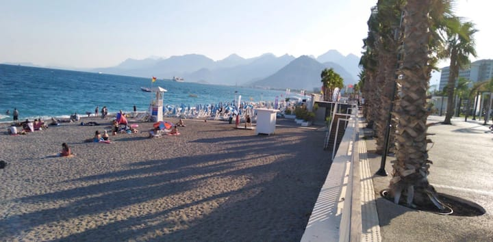 Konyaaltı plajına 150 m yakın. До пляжа 150м.