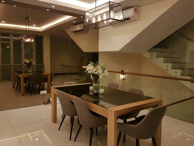 Luxurious & Eco-friendly Superlink Home - Cyberjaya - Haus