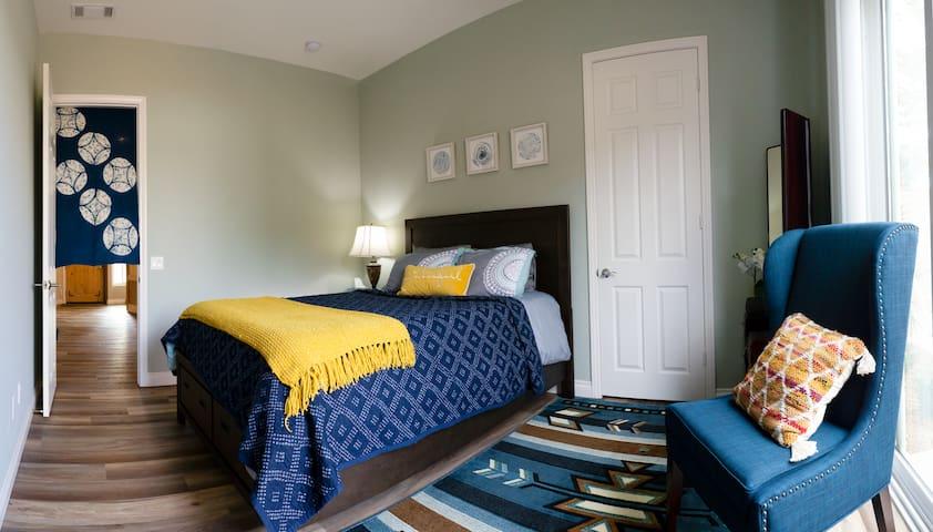 Encinitas-By-The-Sea  Luxury 2 bedroom.
