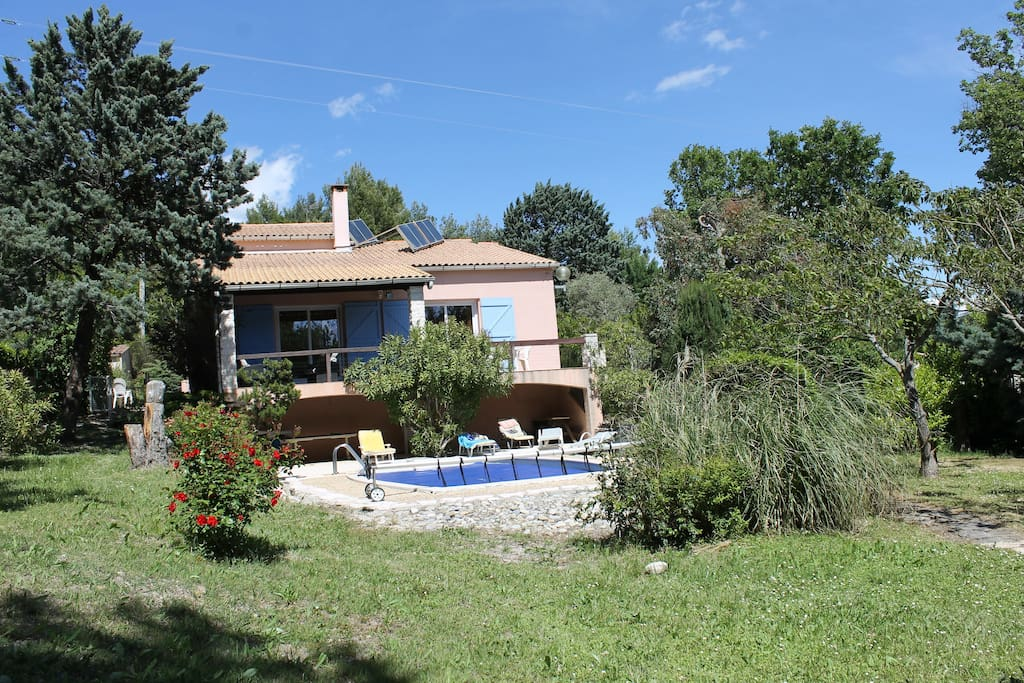 Grande villa piscine c t golf houses for rent in for Build a house for under 5000 dollars