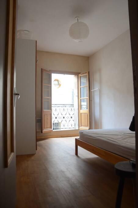 chambre 1, lit double + balcon