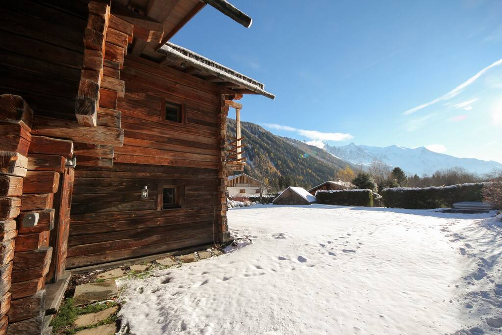 Chalet Smart | 5 mins walk to ski lift | Jacuzzi